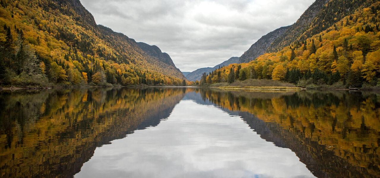 Entre couleurs et grisaille dans la vallée de la Jacques-Cartier